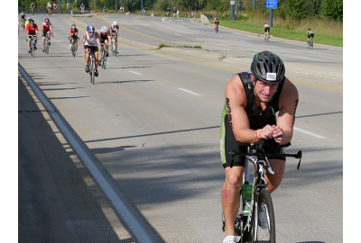 Andy on the bike at the Hy-Vee Triathlon